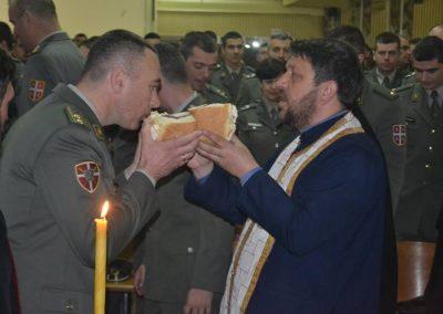 43-Rezanje slavskog kolaca kasarna Raska 2017