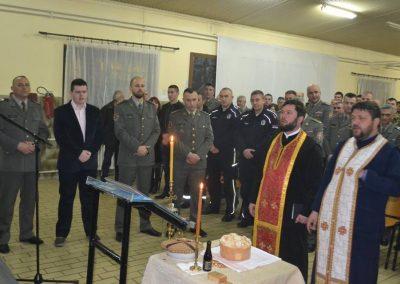 44-Rezanje slavskog kolaca kasarna Raska 2017