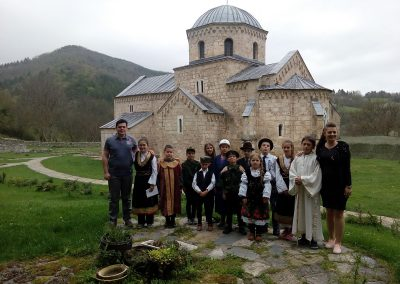 Skola, vojska i crkva na jednom mestu 02