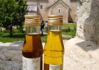 Dani kraljice Jelene 2019 - proizvodi manastira Gradac 12