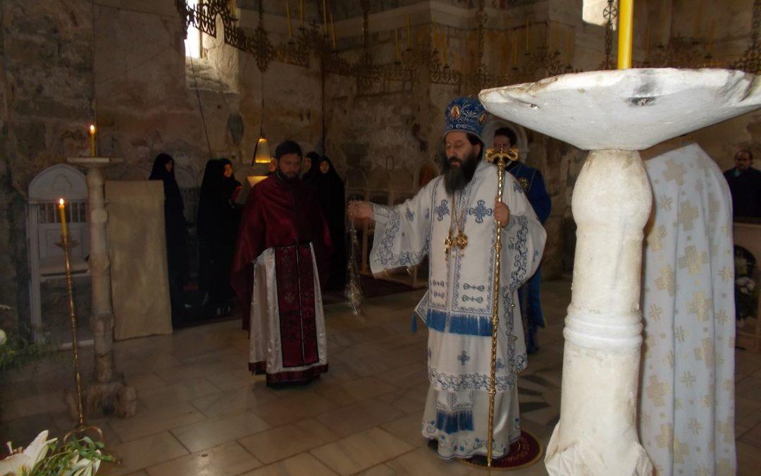 Посета епископа и Литургија у Градцу